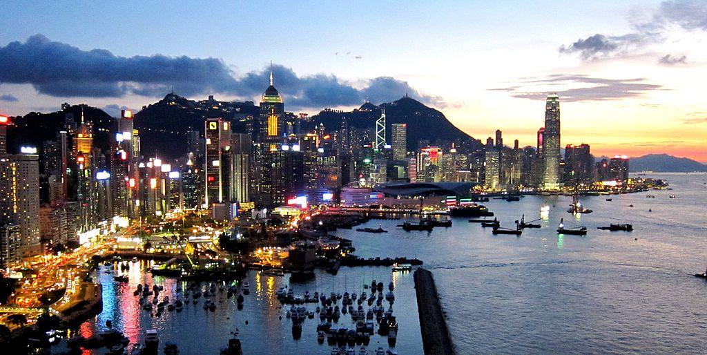 Hong_Kong_Island_Skyline_201108