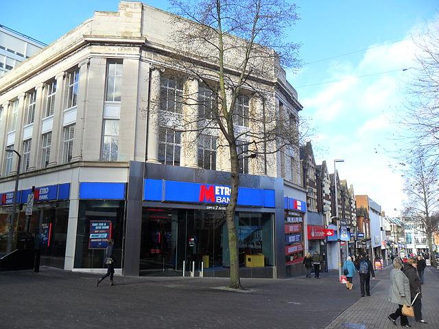 640px-Sutton,_Surrey_London_Sutton_High_Street_-_Metro_Bank