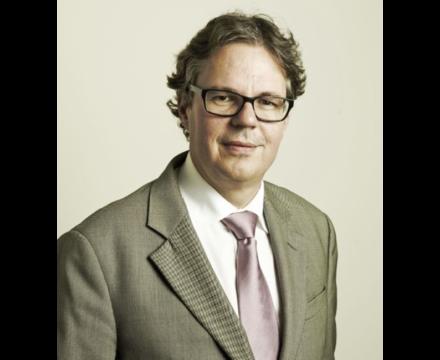 Dirk Schoenmaker – Erasmus University